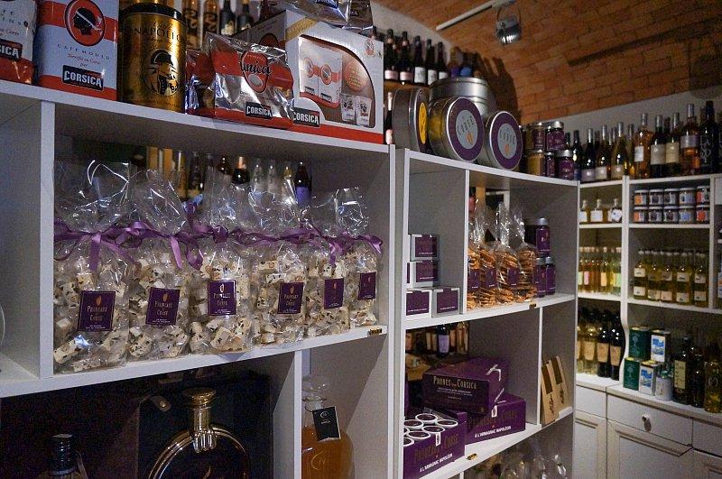 La maison de Mina, nougats et vins