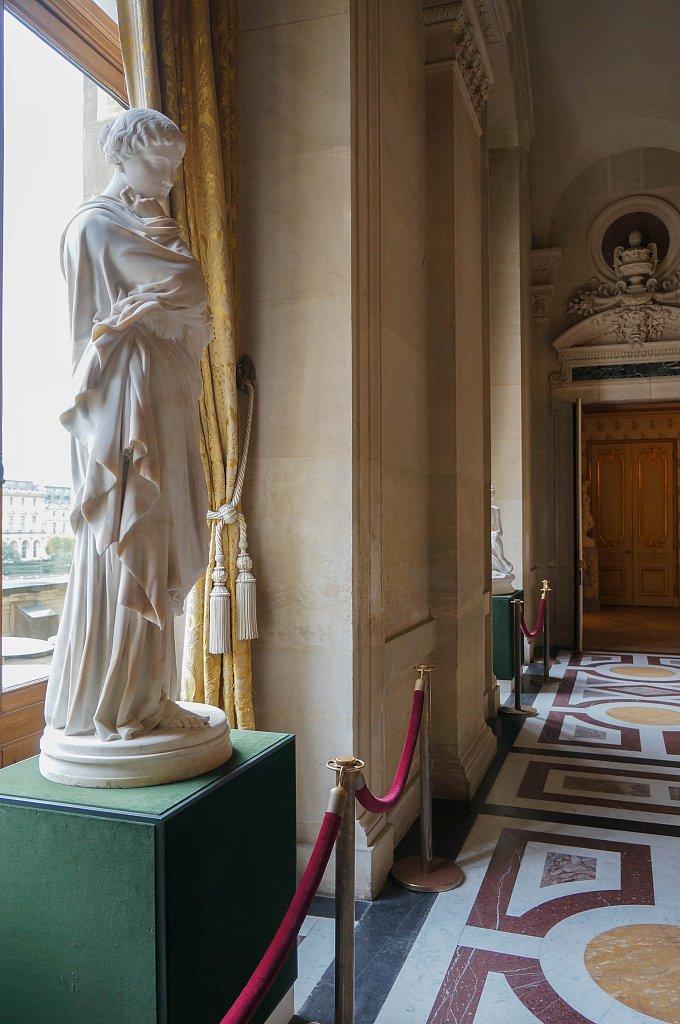 Louvre - scultpure