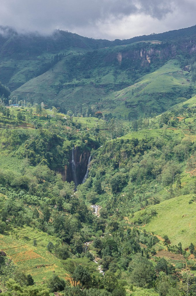 On the road to Haputale - Falls