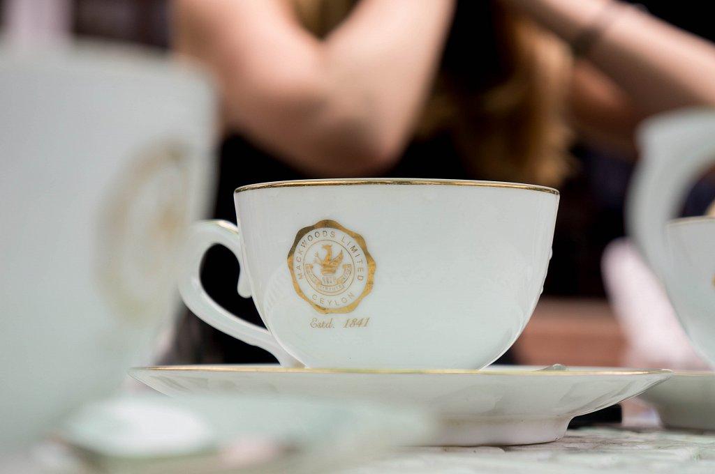 On the road to Haputale - Bookellie Macwoods tea tasting