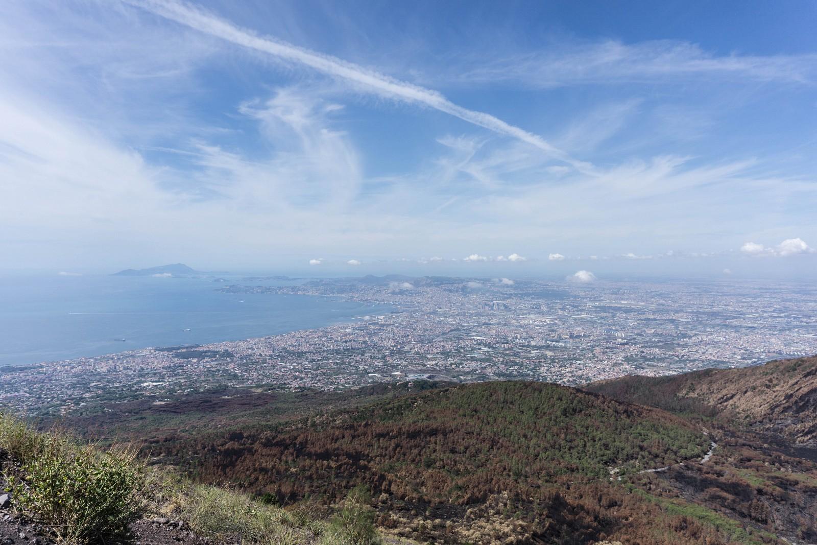 Baie de Naples, vue du cratère du Vésuve