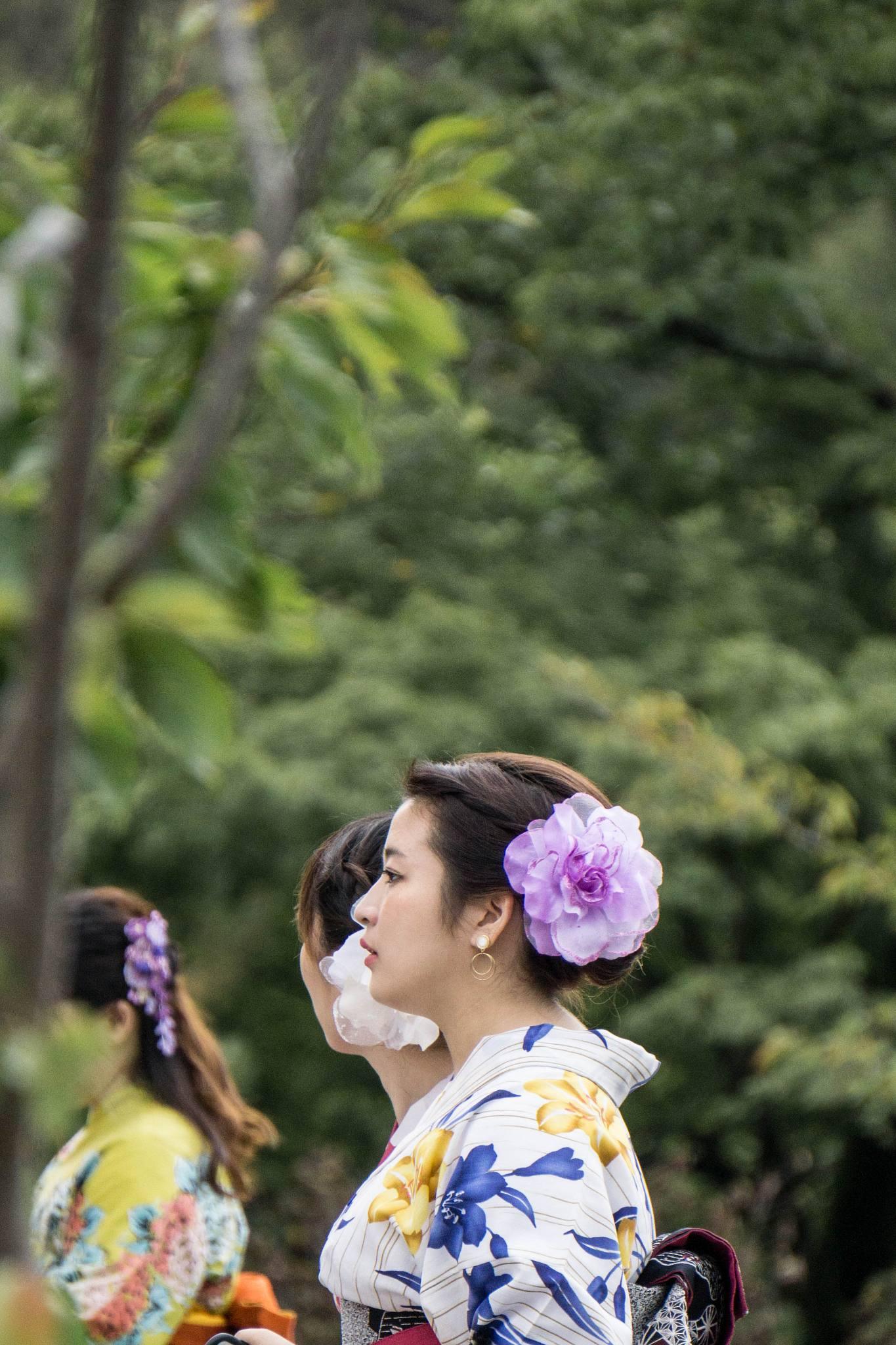 Femmes en tenue traditionnelle, temple Kiyomizu-dera